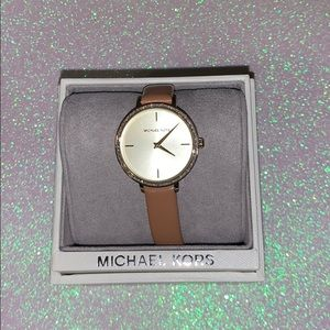 Michael kors used authentic tan watch